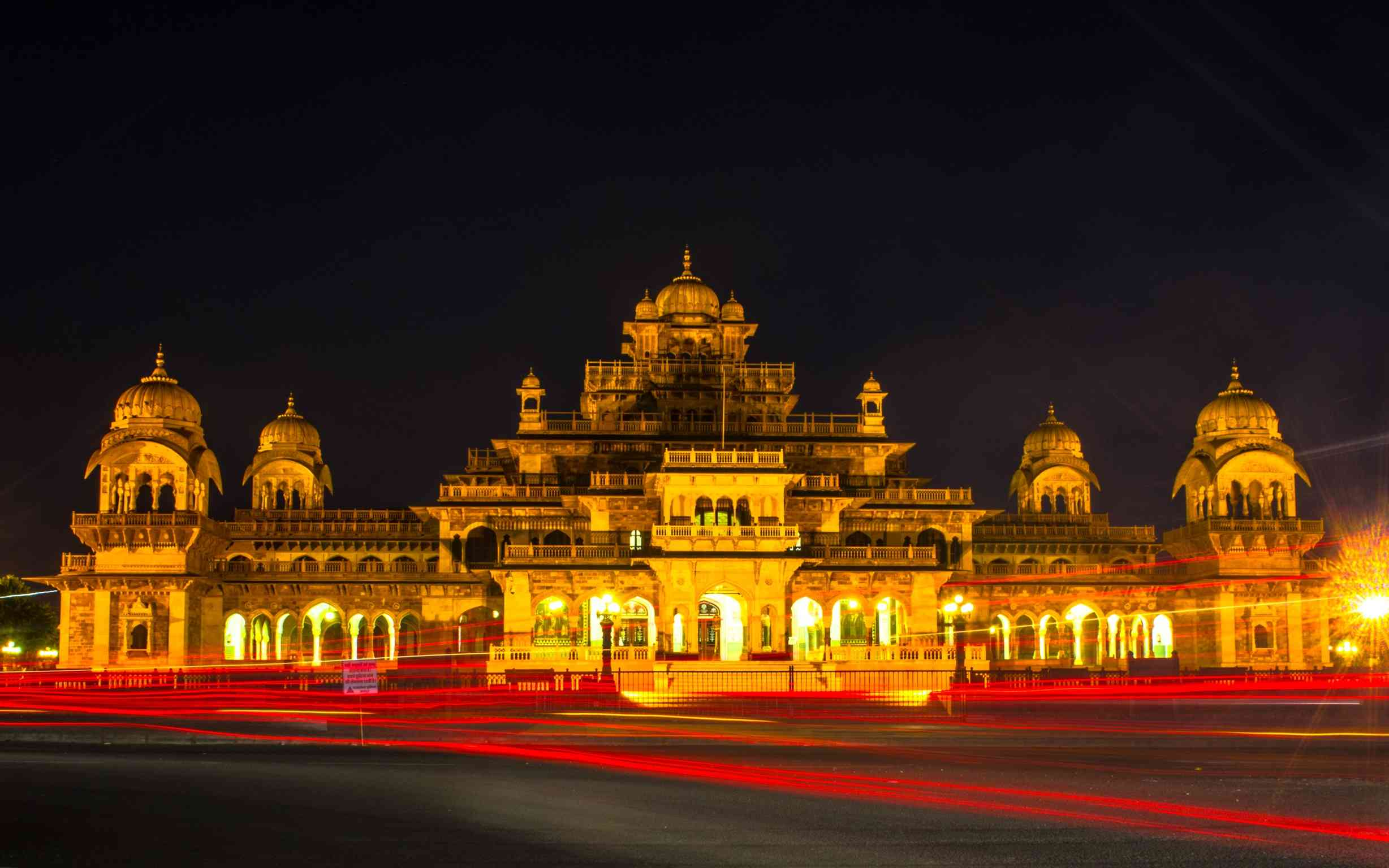 November 18 is marked as the Jaipur Foundation Day which is celebrated with great zeal every year.