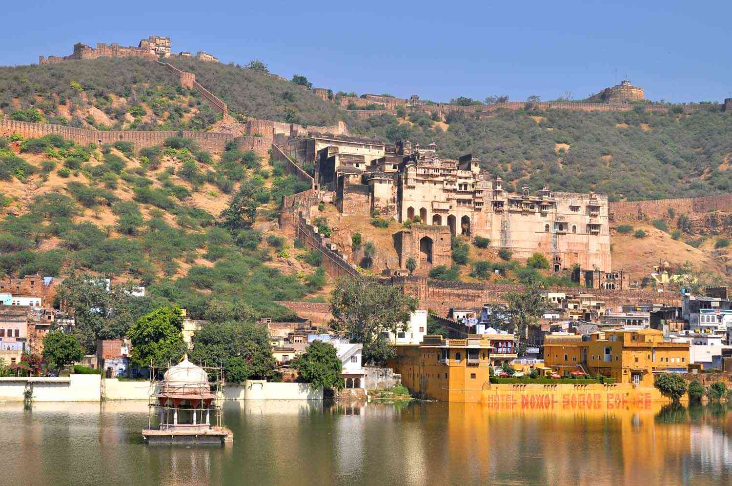 tourist places in bundi