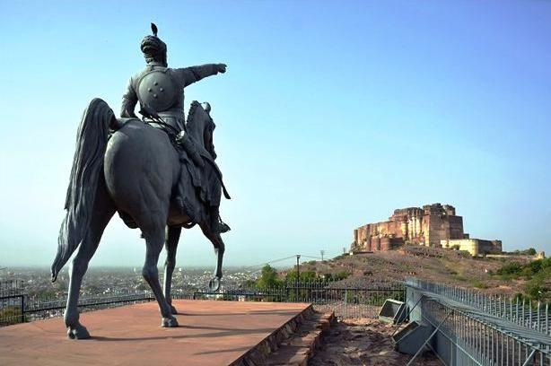 rao jodha statue mehrangarh fort