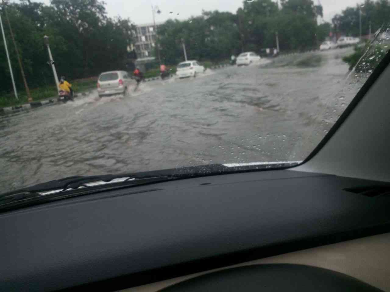 #heavyrain #statuecircle #jaipur #rajasthan