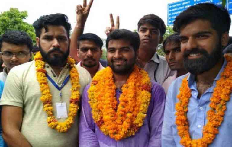 Independent canditate, Pawan Yadav won the Student Elections 2017 of Rajasthan University.