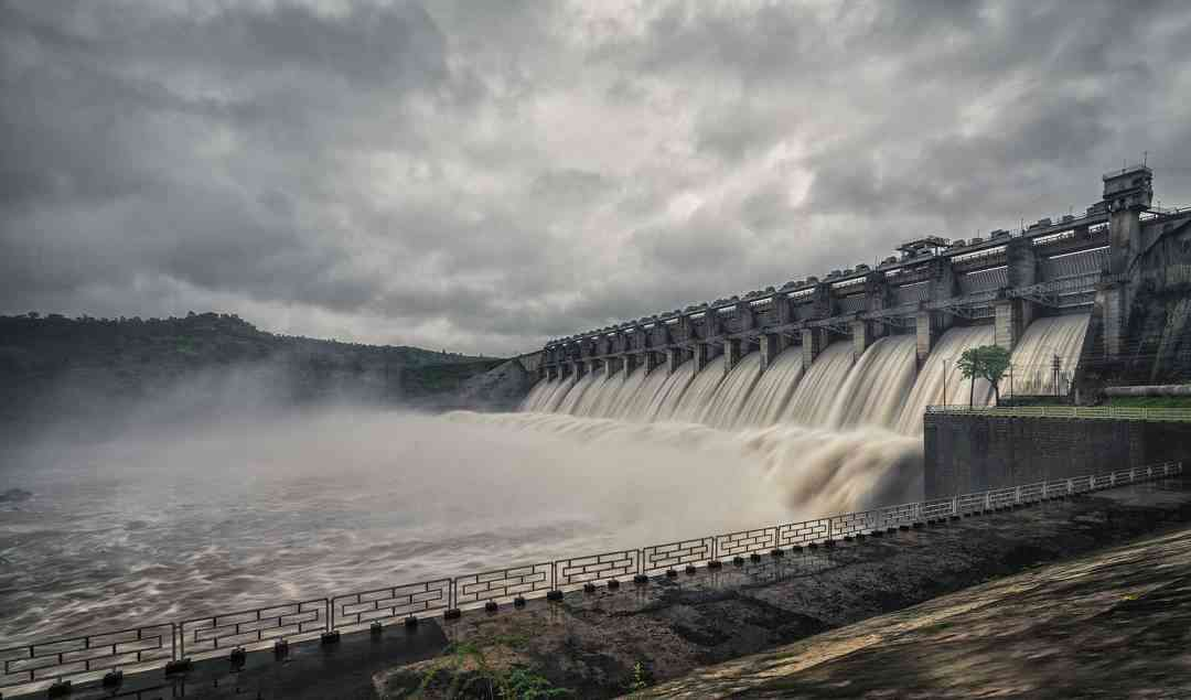 Mahi dam all 16 gates open