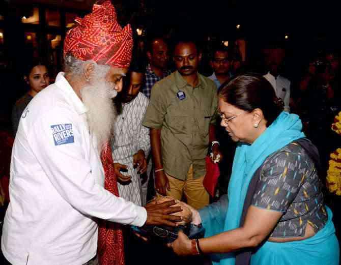 Isha Foundation's Sadguru with CM Vasundhara Raje during Rally For Rivers in Jaipur