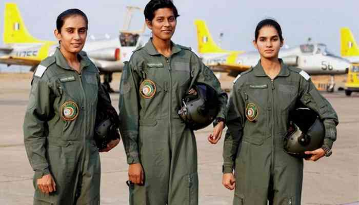 first women fighter jet pilots