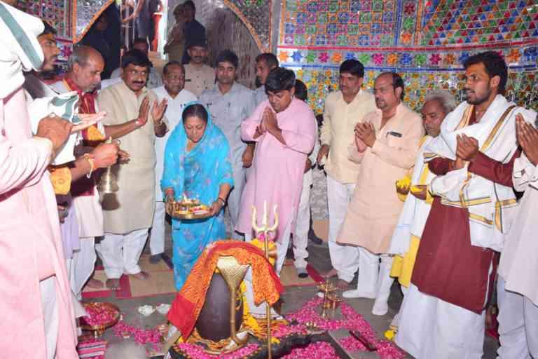 kashi vishwanath temple jhalawar vasundhara raje