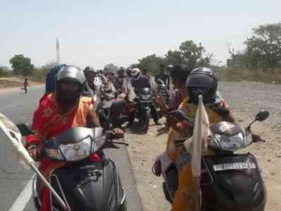 women bikers rajsamand motorcycle rally