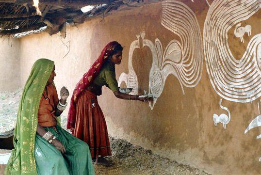 Meena women wall painting