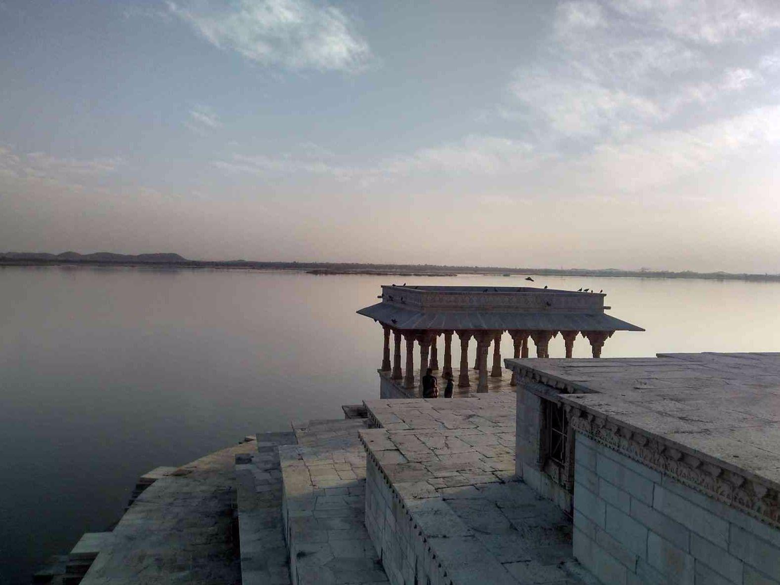 Nau Chowki Nine Pavilions at Rajasamand Lake