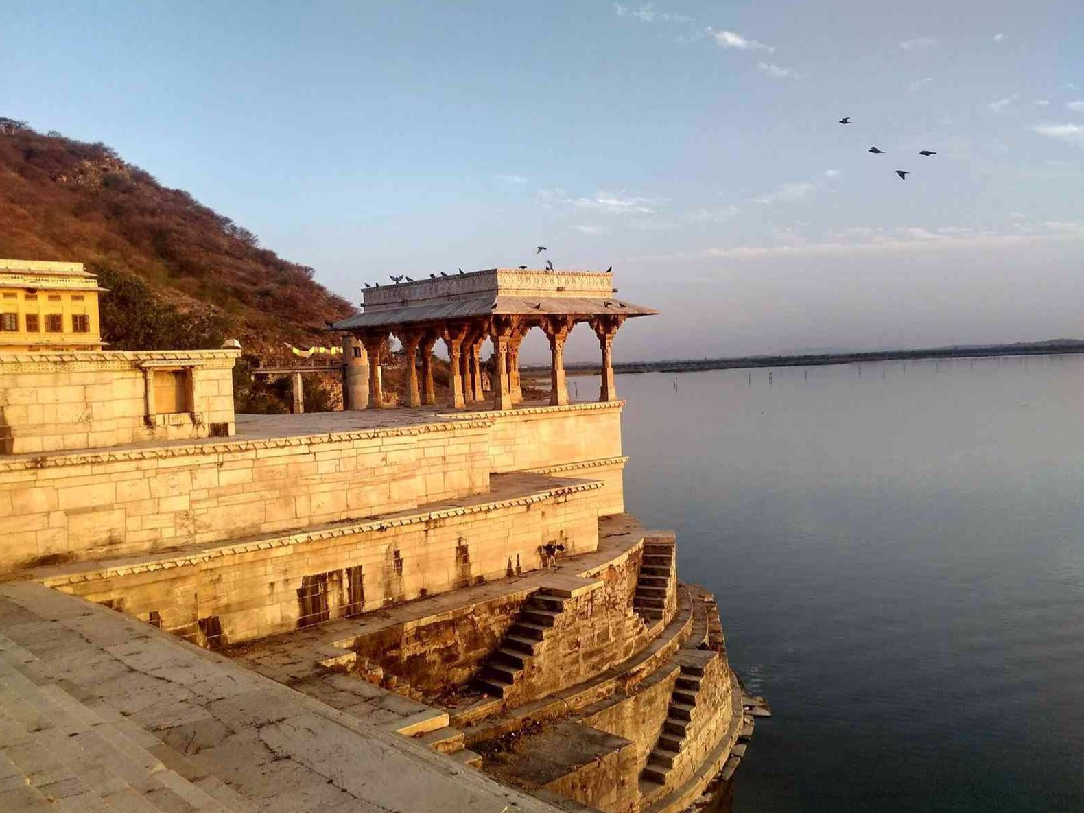 Nau Chowki Nine Pavilions at Rajasamand Lake