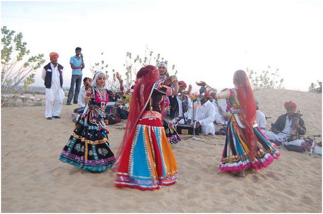 performing Ghoomar