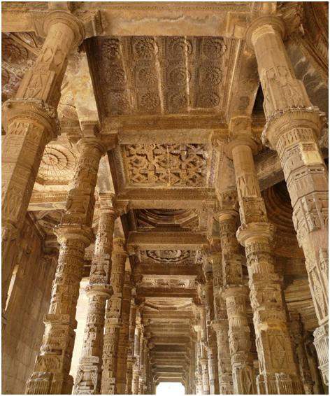 Adhai din ka Jhopda architecture