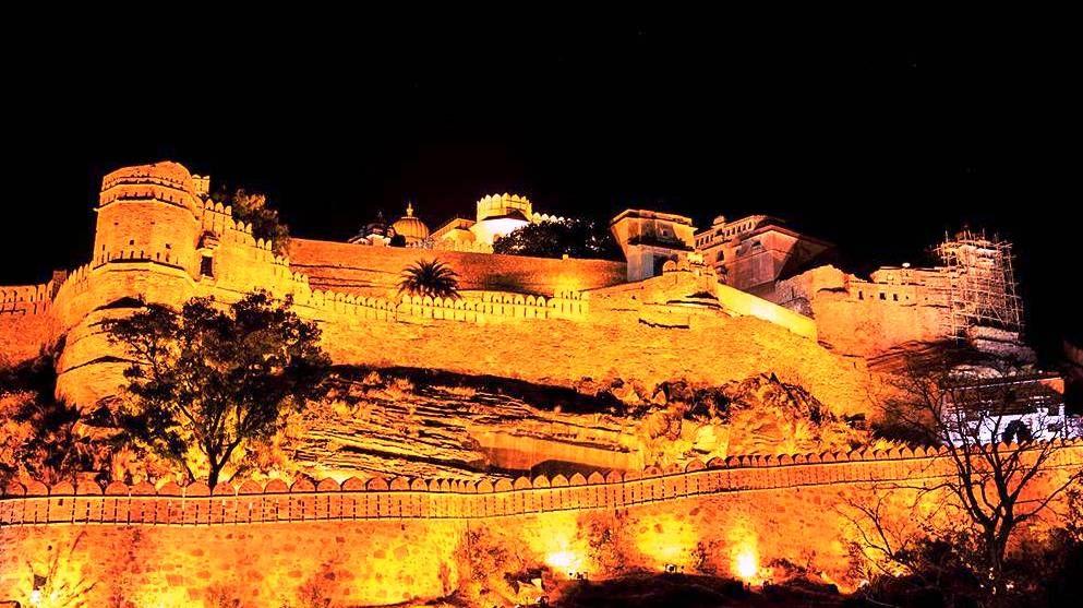 Kumbalgarh fort night