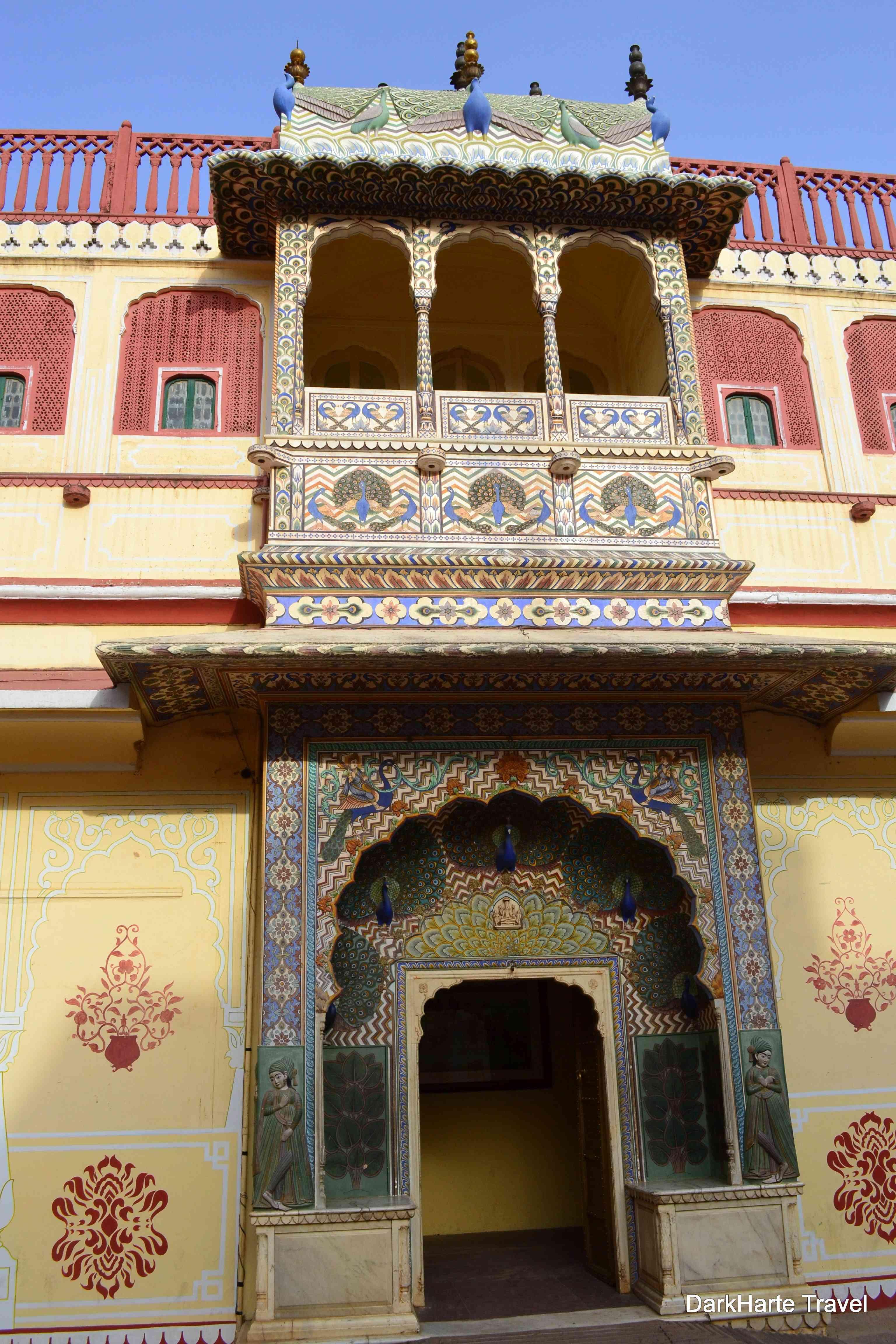 peacock gate city palace jaipur