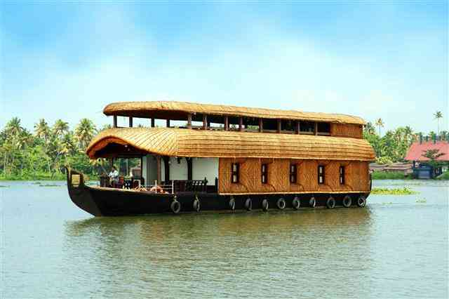 Houseboat Holiday in Kerala