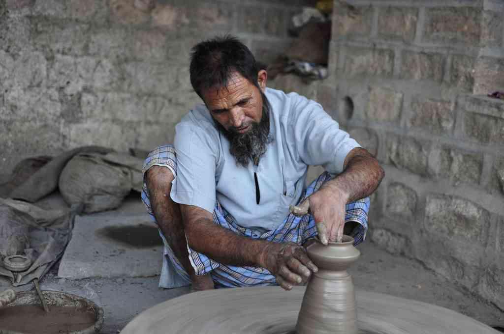 Blue pottery model
