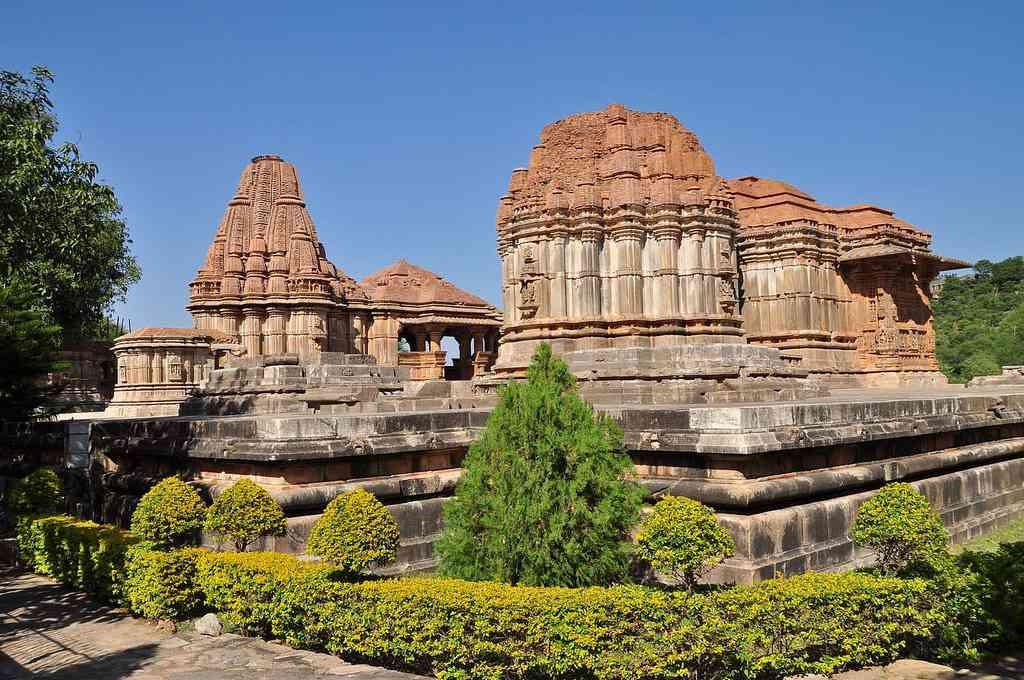 Sahastra Bahu Temples