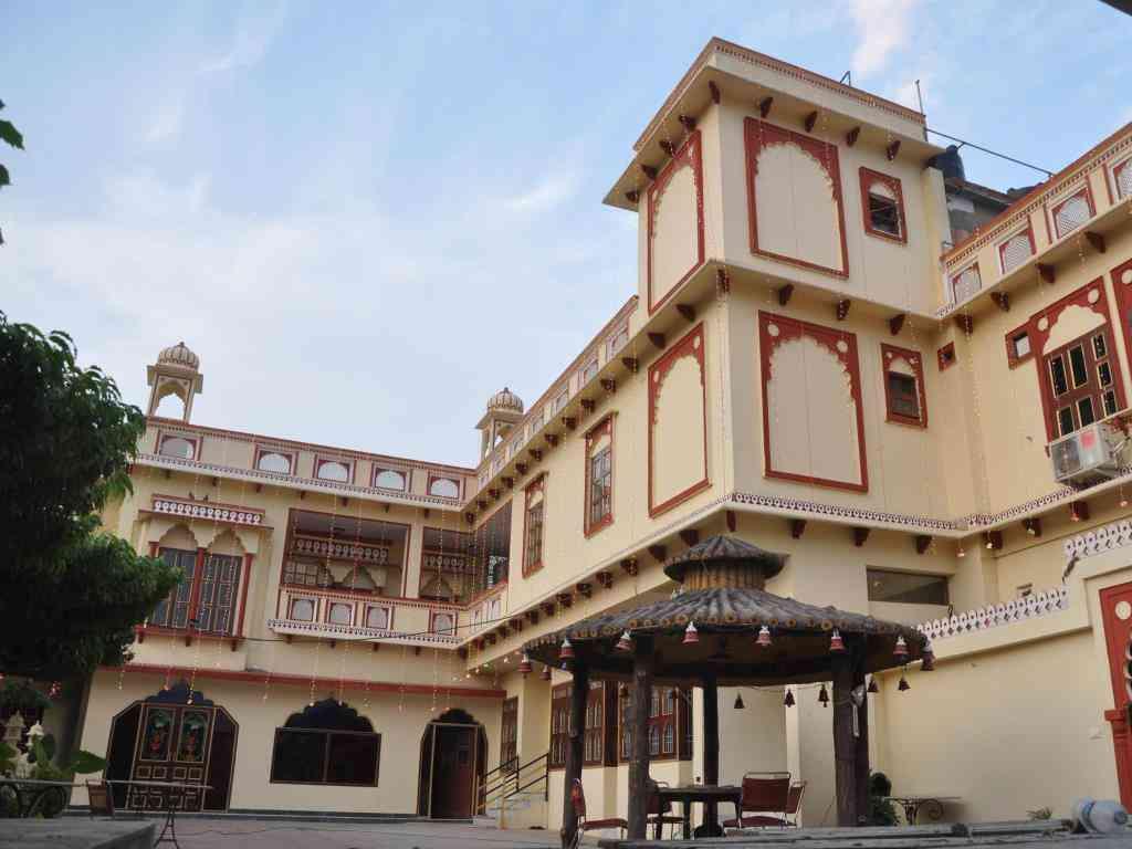 Mahal Rajwada Resort